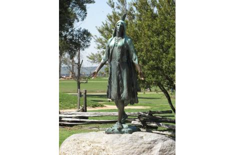 pocahontas-statue-williamsburg-virginia